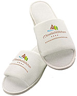 Bade_Slipper_Fro_4c178b848e795.jpg